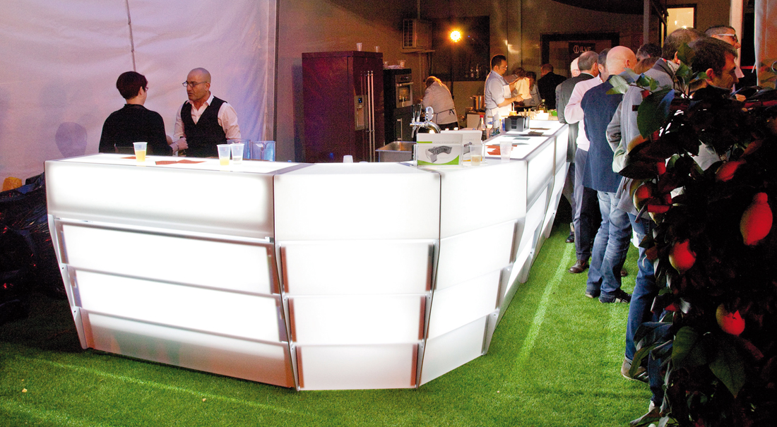 illuminated bar counter for events and demonstrations